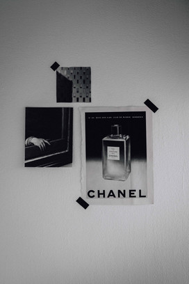 Stillleben schwarz weiss Chanel