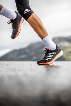 Fotoproduktion Running Adidasschuh Fotograf Helge Röske