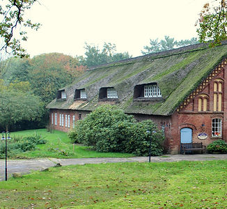 Lolame_Pixabay_farmhouse-2853047_1920.jp
