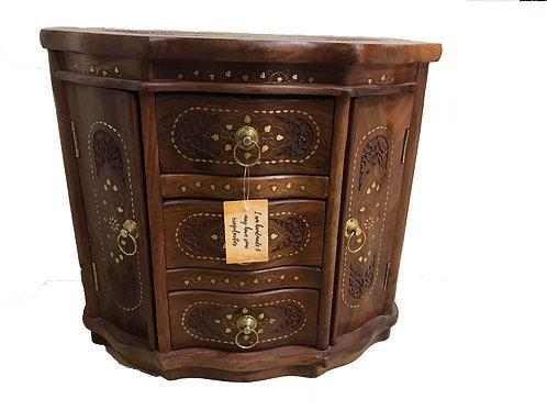 Queen Cupboard