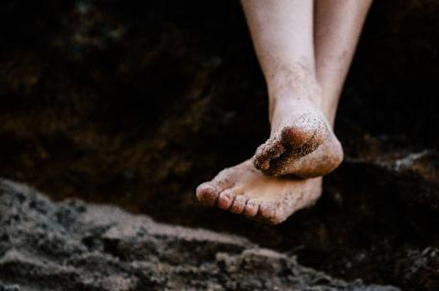 feet_on_earth.jpg