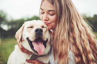 0_beautiful-girl-with-beautiful-dog-park