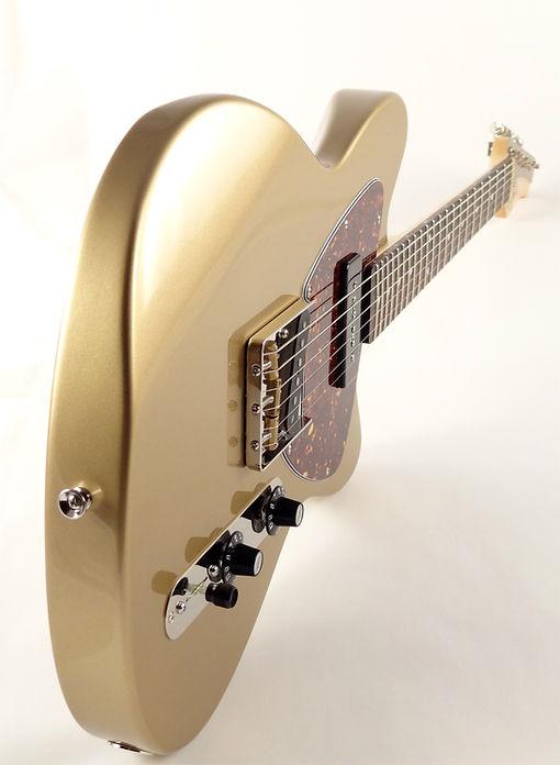 Maghini Guitars Satellite