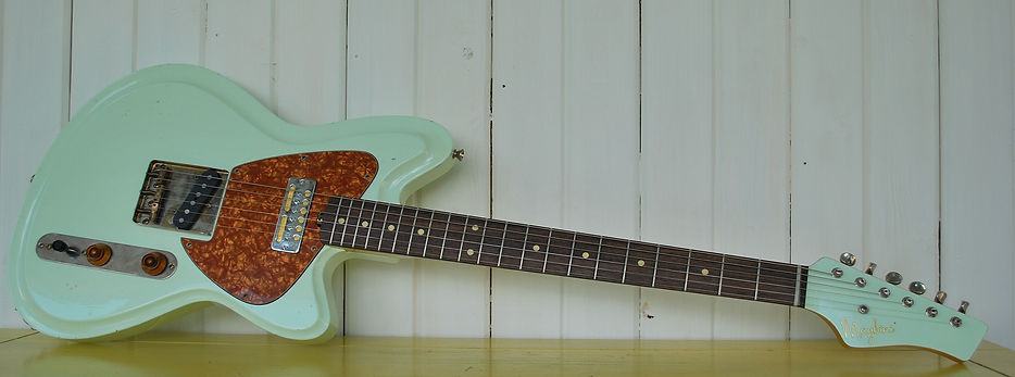 Maghin Guitrs, Satellite, German carve