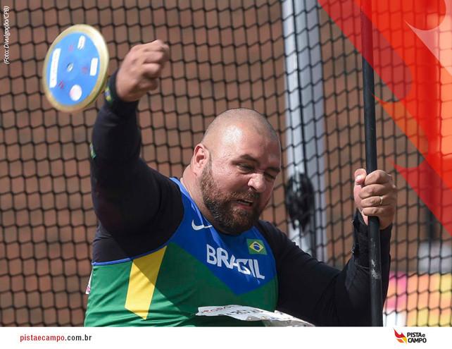 Atleta paralímpico brasileiro quebra dois recordes mundiais neste fim de semana
