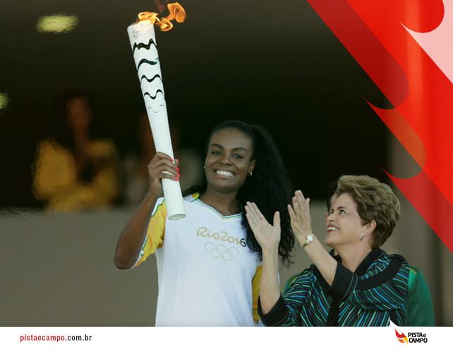 Chama olímpica chega ao Brasil e percorrerá 20 mil quilômetros até dia 5 de agosto