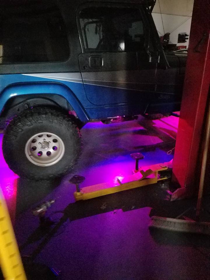 Jeep underglow.jpg