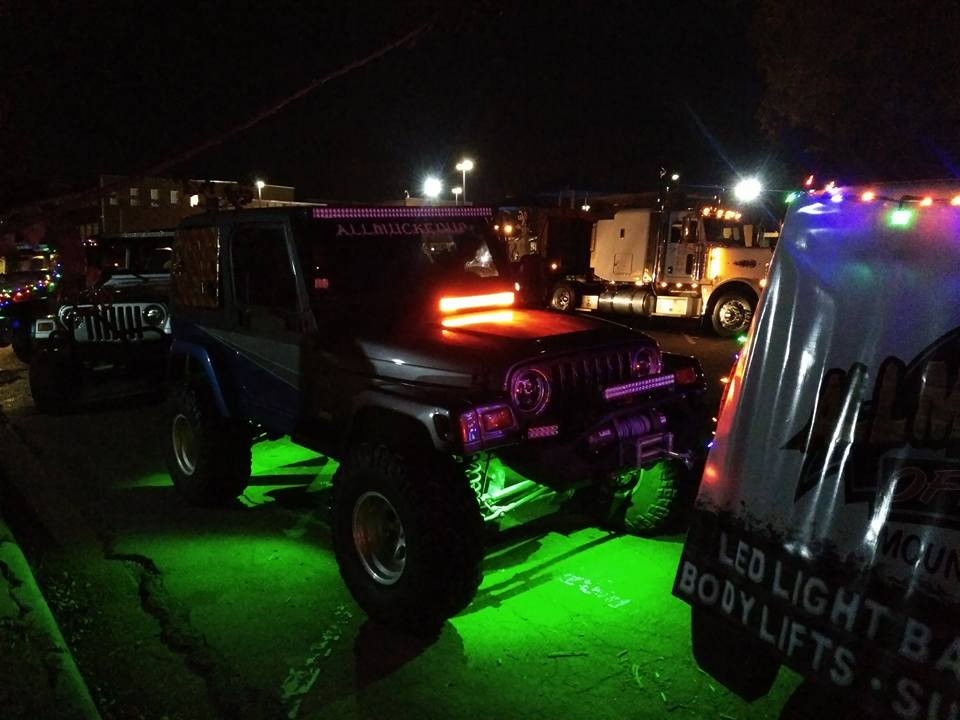 Jeep with underglow lights.jpg