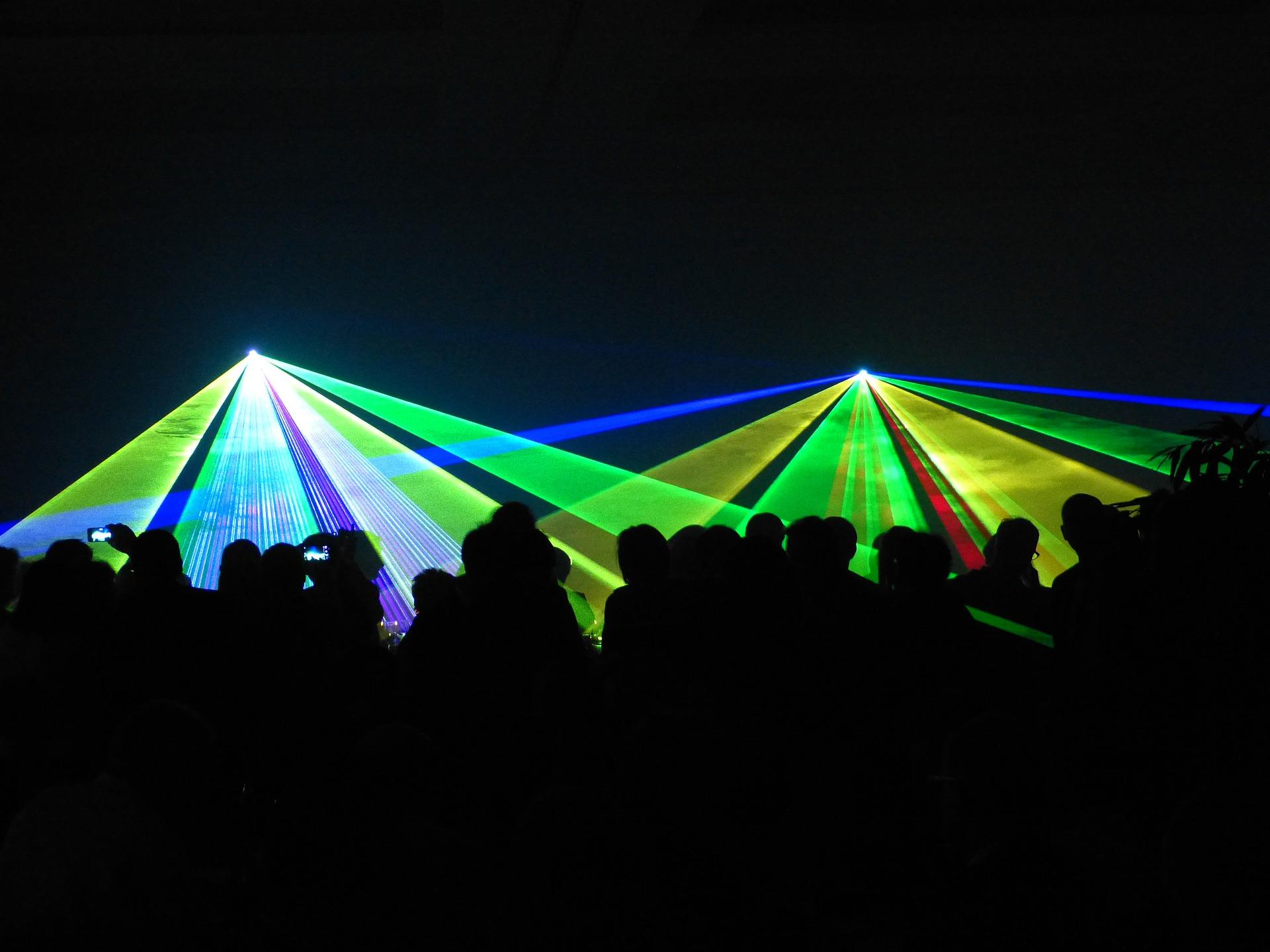 laser-288615_1920