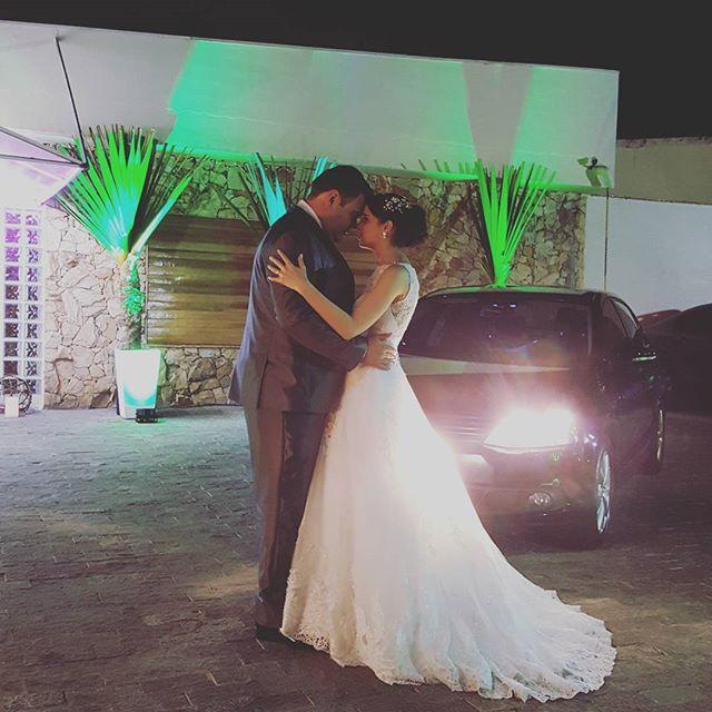 Só eles! 😍😍 #noivos #love #unidosparasempre _#casamento2016 #agosto2016 #assessoriadecasamento #or