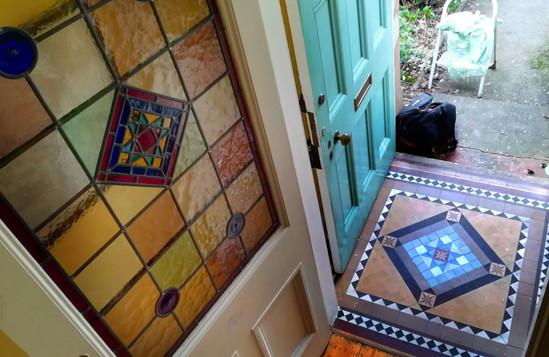 Leadlights panel mosaic mirroring.jpg