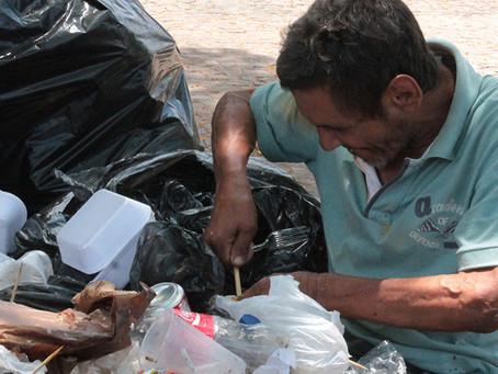 Renda per capita inferior a 1,25 dólar por dia. Aumenta a fome e a insegurança alimentar no Brasil.