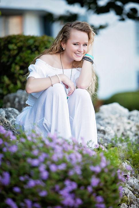 Lexi, Senior Edge Model, Teen Model