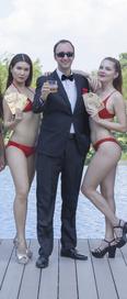 James Bond Girl 1.png