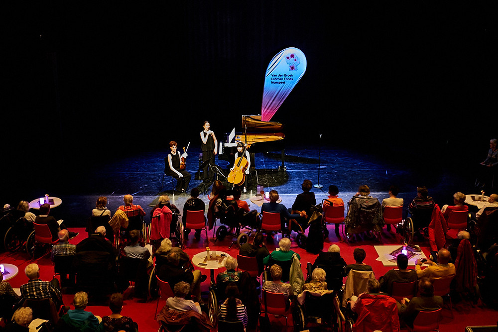 Concert in Veluvine van St. Muziek in Huis.