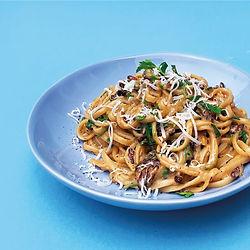 Kale-Pesto-Pasta_Serve-Shot_Square.jpg