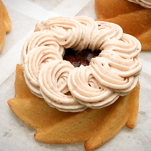 Gluten Free Bodacious Berry Mini Cake