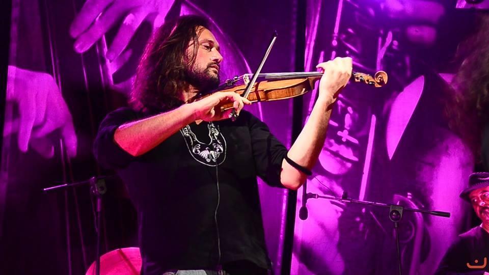 Claudio merico Violinista Italia Migrante