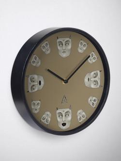 """Me saint"" clock"