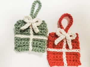 Christmas Present Ornaments - Free Crochet Pattern
