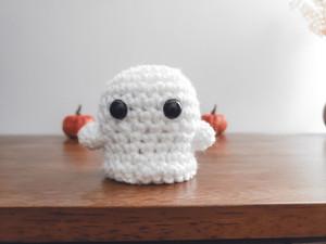 Mini Ghost - Free Crochet Pattern (Halloween Amigurumi)