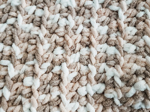 Quick & Easy Baby Blanket - Free Crochet Pattern (Beginner Friendly)