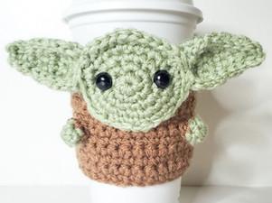 Baby Yoda Coffee Cozy - Free Crochet Pattern