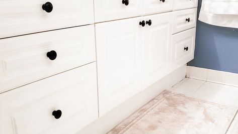 How to Paint Cabinets the Easy Way
