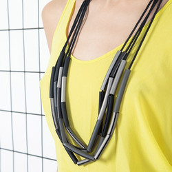 Forest long necklace in black 4
