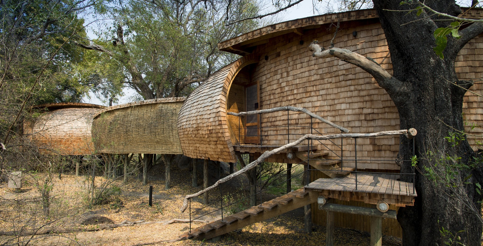 Sandibe Okavango Delta Lodge - Interleading Walkway Lodge