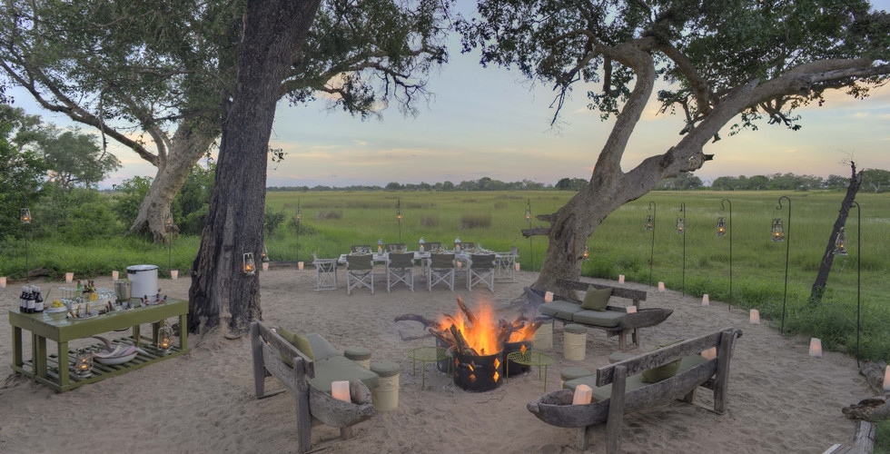 &Beyond Xaranna Okavango Delta Camp - Lodge Dining Area Exterior