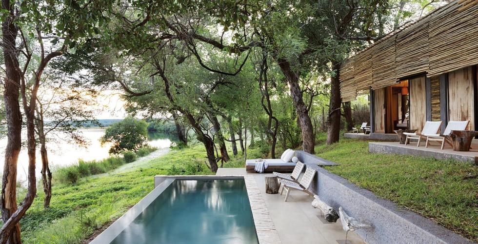 Matesti Victoria Falls - Suite Exterior Pool
