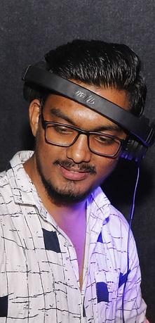 V DJ.jpg