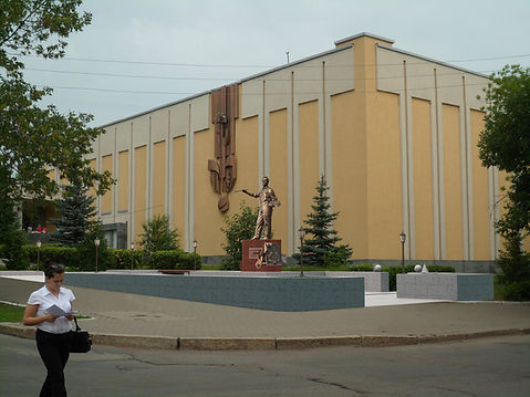 Памятник Ахмату Фаткуловичу Лутфуллину г. Уфа училище искусств 3D визуализация