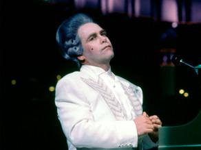Emergindo do caos, Tour De Force é a melhor performance de Elton John nos anos 1980 (quiçá de todas)