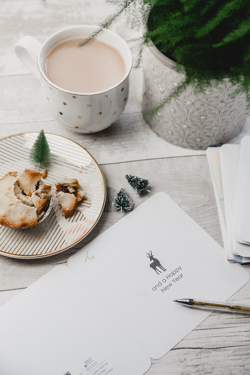 Mince Pies, a Cup of Tea and a Christmas Card