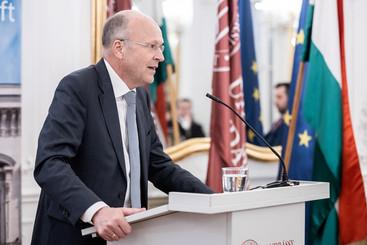 Dr. Koen Lenaerts
