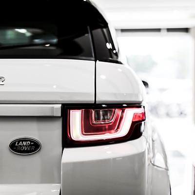 JAGUAR x Land Rover
