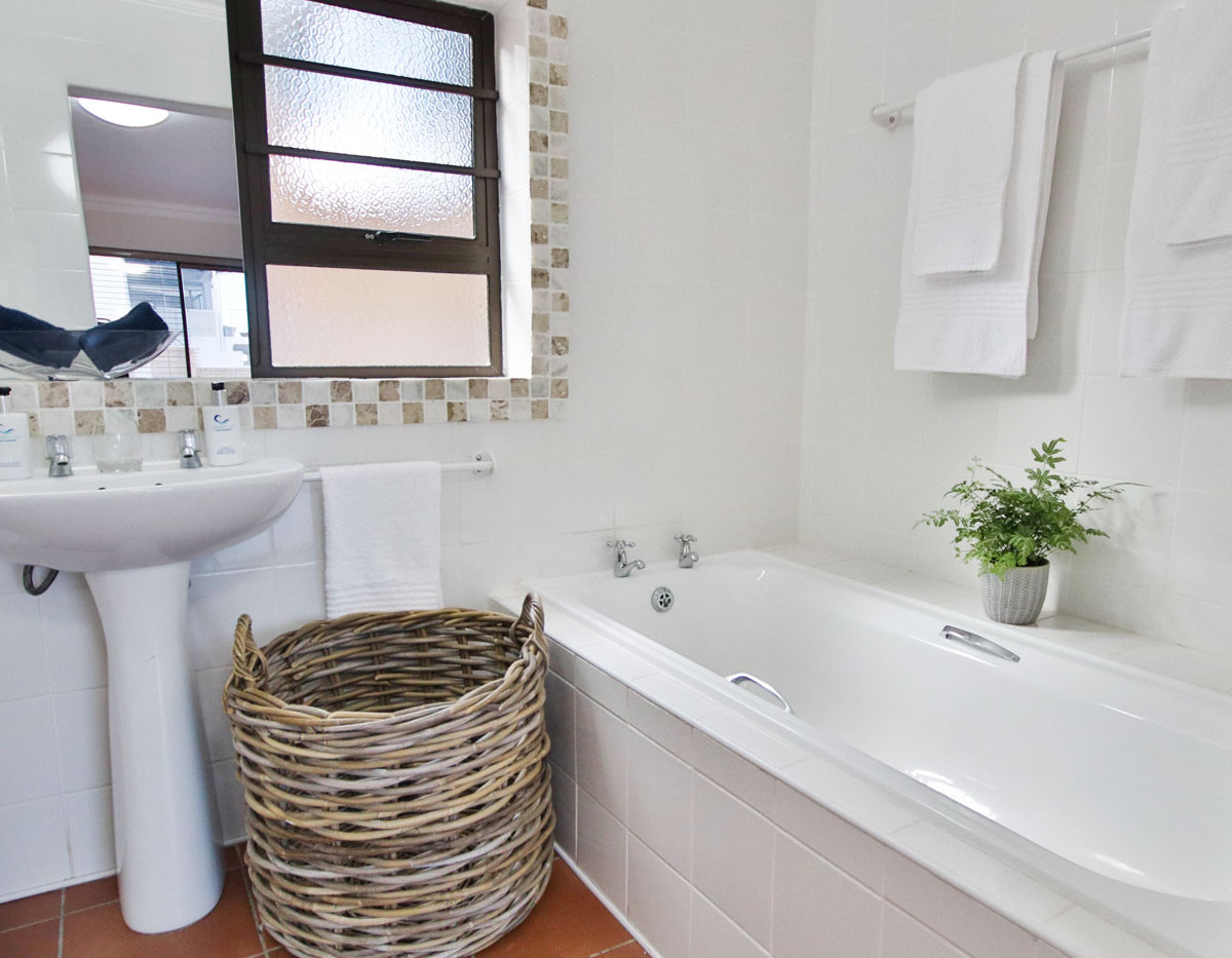 unit3_bathroom1.jpg