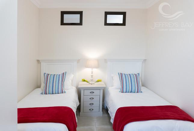 Jeffreysbay_Lux_apartments_Unit6_Bedroom