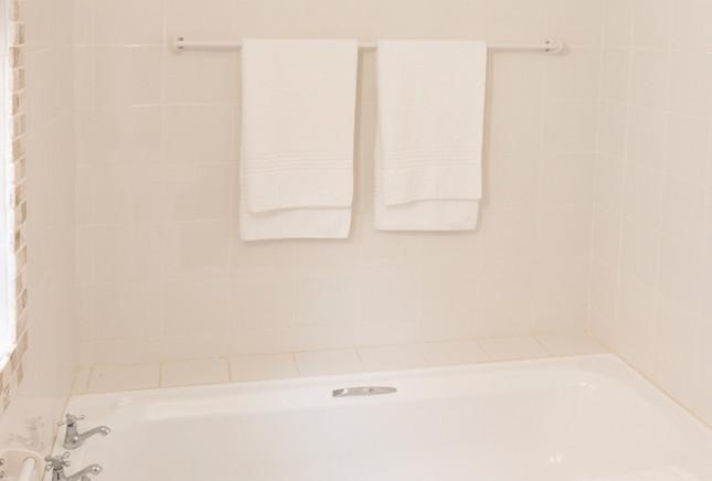 Jeffreysbay_Lux_apartments_Unit3_bed-1_e