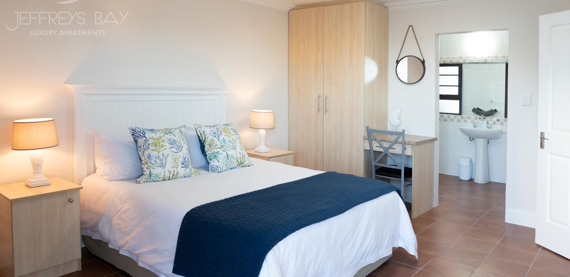 Jeffreysbay_Luxury_Apartments_Unit3_bed1