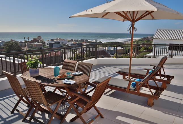 JBay-UNIT10_penthouse-patio-with-a-view.