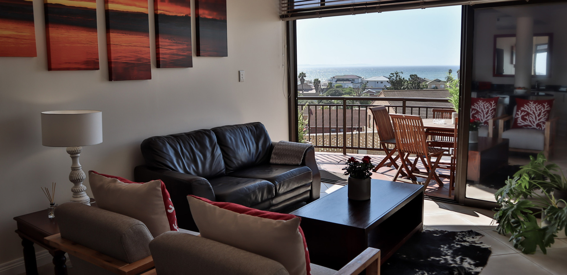 UNIT6_lounge-with-a-view.jpg