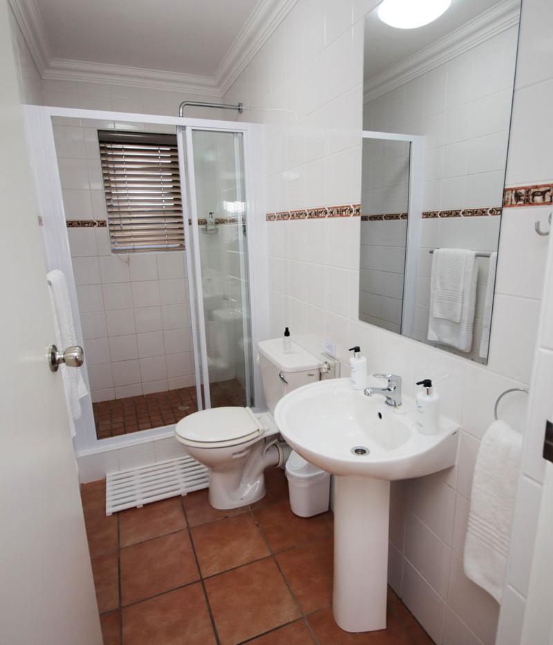 unit3_bathroom.jpg