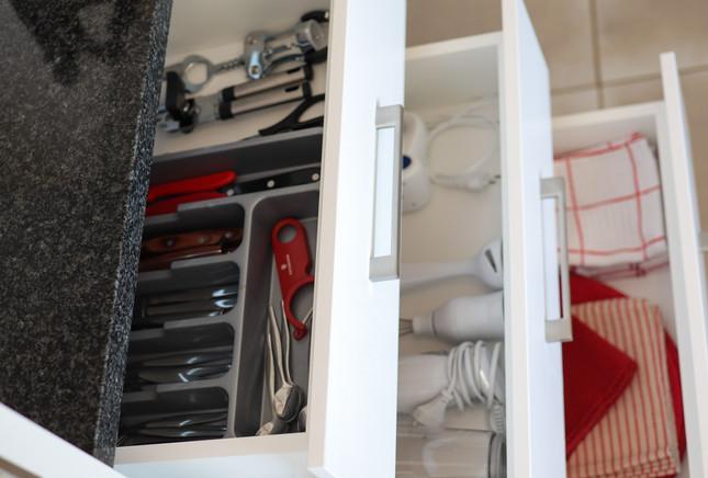 UNIT6_fully-stocked-kitchen.jpg