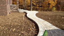 Benefits of Walkways For Residential Landscaping
