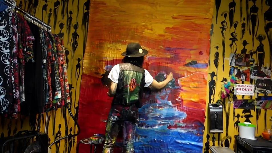 process (golden mural) .mp4