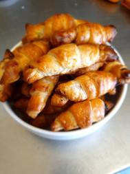 Croissants maison au jambon pour accompagner vos apéros sur commande