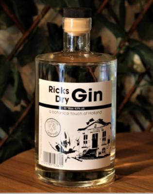 Ricks Dry Gin-2.PNG